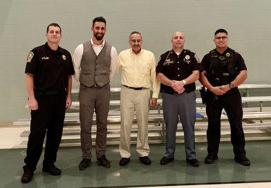 El alcalde de Goshen y jefes de policía se reunieron con la comunidad hispana